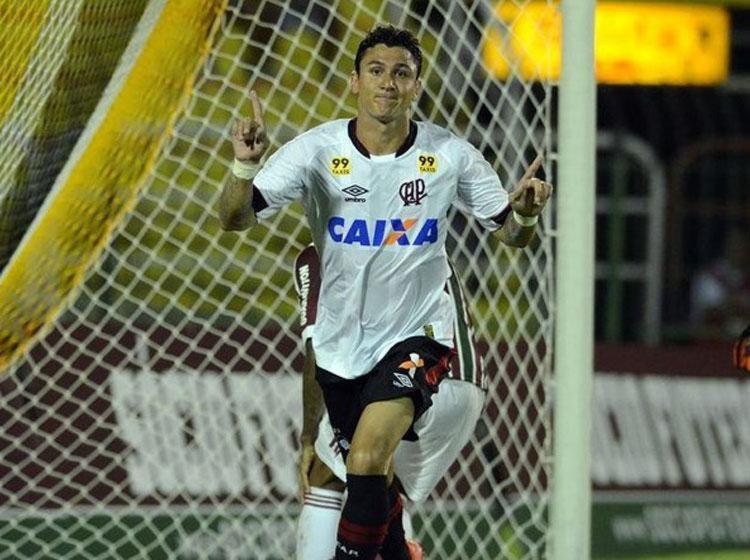 Vinícius tentará retomar carreira no tricolor baiano - Foto: Reprodução | Site oficial Atlético Paranaense