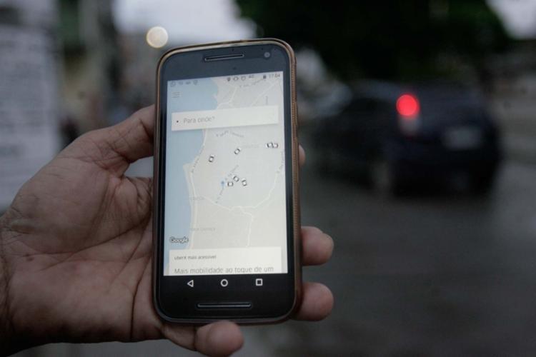 Especialistas orientam que o usuário não clique em links desconhecidos - Foto: Adilton Venegeroles | Ag. A TARDE
