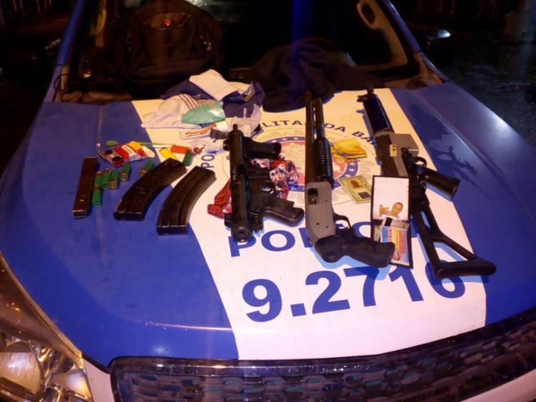 Suspeitos tentaram fugir ao avistar blitz policial - Foto: Divulgação | Polícia Militar
