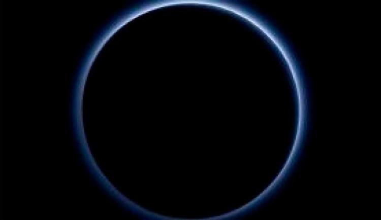 Foto da Nasa mostra céu azul de Plutão - Foto: Divulgação   Nasa