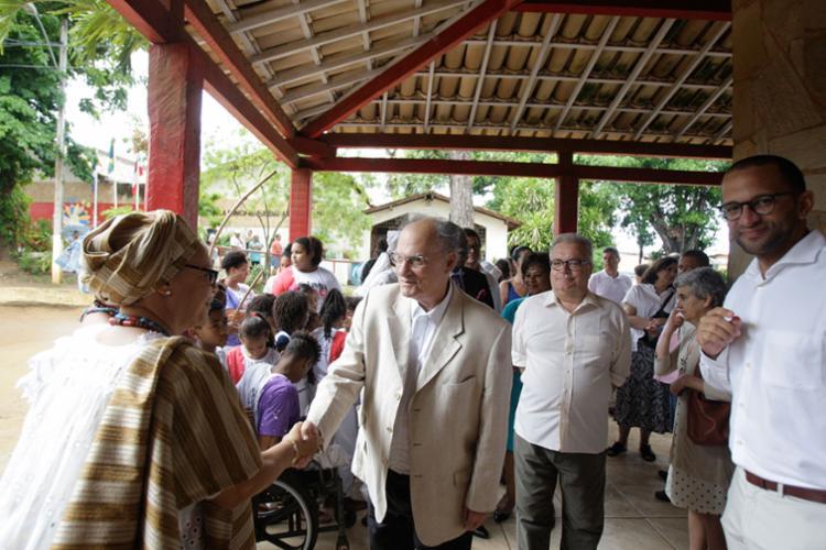 O pedido foi feito durante a visita do ministro Roberto Freire - Foto: Raul Spinassé   Ag. A TARDE   04.05.2017