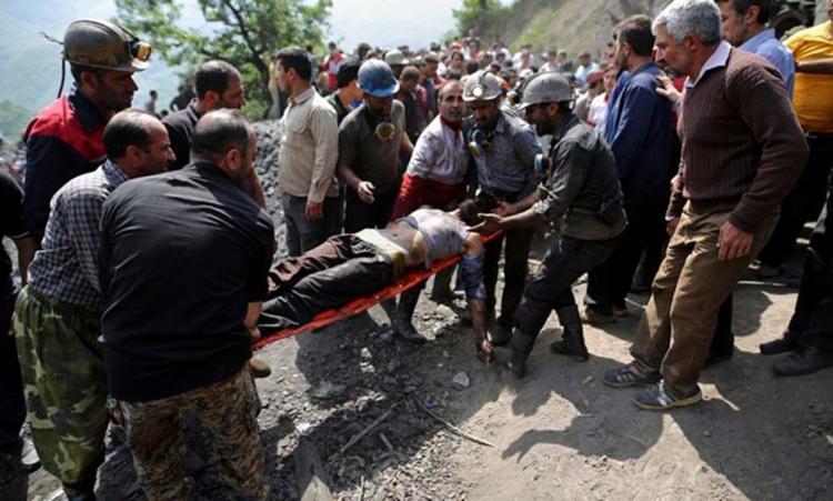Acidente em mina deixou dezenas de funcionários feridos - Foto: Mostafa Hassanzadeh | AP
