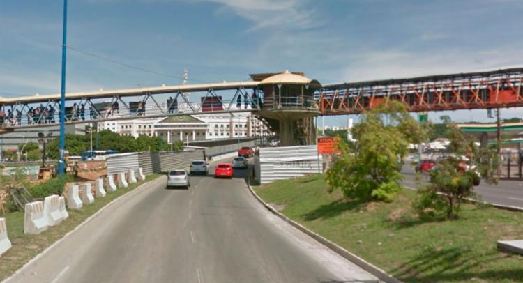 Viaduto, que liga a Tancredo Neves à ACM, será interditado na madrugada desta sexta - Foto: Reprodução | Google Maps