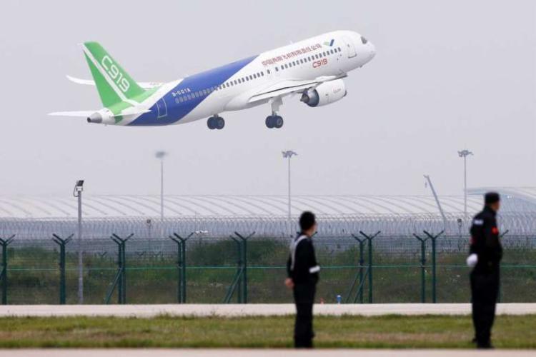 Ele pode ser rival dos aviões como o Airbus A320 e o Boeing 737 - Foto: AFP