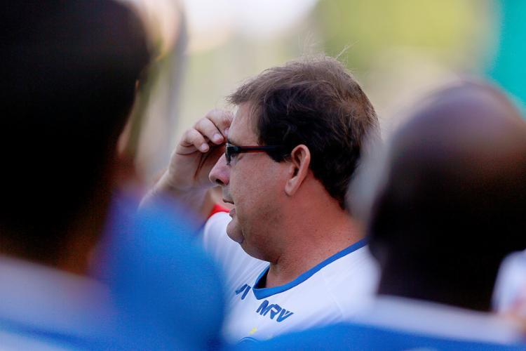 Guto Ferreira diz já ter na cabeça a escalação - Foto: Felipe Oliveira l EC Bahia