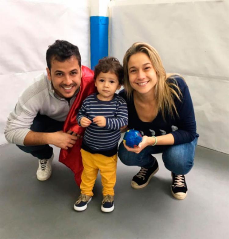 Fernanda posa ao lado do filho e do ex-marido Matheus - Foto: Reprodução | Instagram