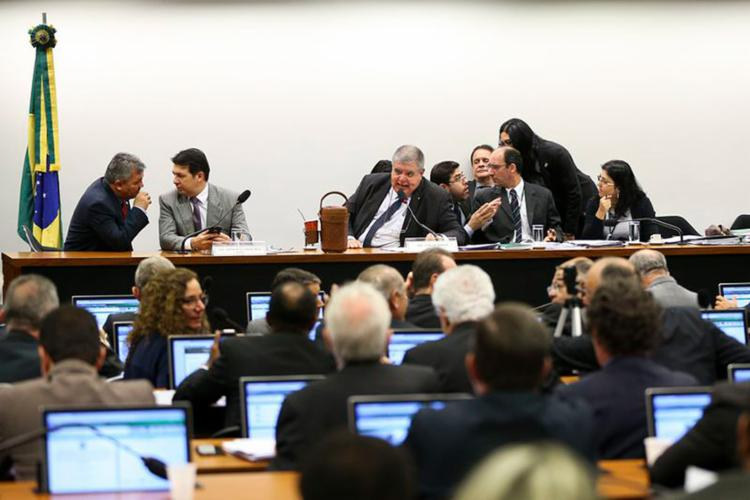 Sessão da comissão especial da reforma da Previdência Social que votou os destaques ao relatório - Foto: Marcelo Camargo l Agência Brasil