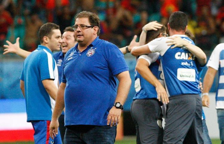 Guto comemorou o resultado que reverte a vantagem prévia do rival - Foto: Margarida Neide   Ag. A Tarde