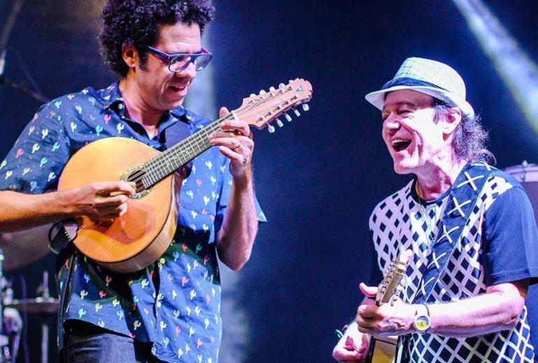Hamilton de Holanda e Armandinho apresentam Vozes do Bandolim