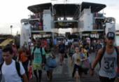 Pedestres e motoristas enfrentam espera de 1h30 para embarcar no ferry | Foto: