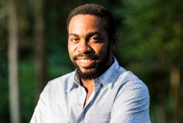 Lázaro Ramos exibe ponto de vista sobre discriminação e formação de identidade
