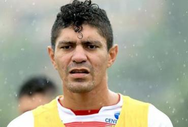 Com retorno de volante, Bahia divulga relacionados para jogo contra o Grêmio