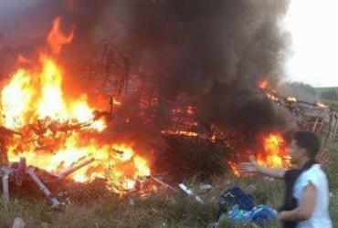 Acidente com ônibus e carreta mata 21 pessoas perto de Guarapari
