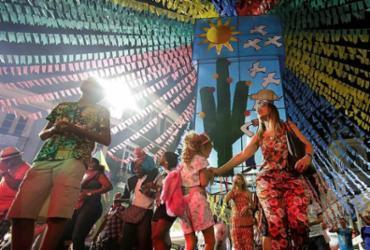 Shows garantem bom arrasta-pé no Centro Histórico de Salvador