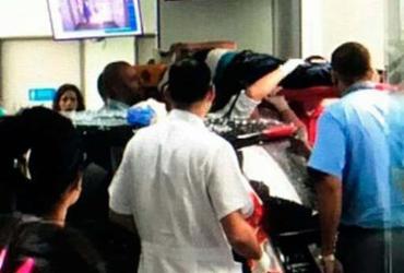 Carro invade emergência de hospital e deixa 4 feridos no Rio