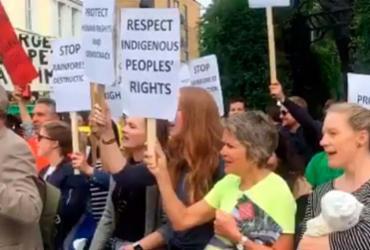 Temer é recebido sob protestos em reunião com governo da Noruega