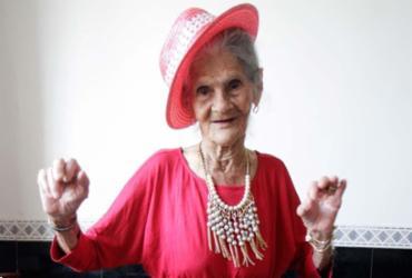 Dona Kida: são 96 anos e disposição de sobra para dançar  
