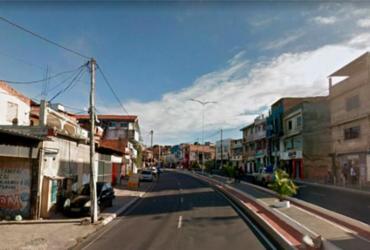 Homem é morto a tiros dentro de micro-ônibus na Av. Suburbana