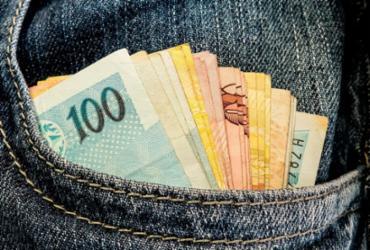 Sancionada lei que permite descontos para compras feitas em dinheiro