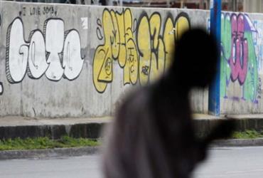 Lei prevê multa de R$ 3 mil a pichadores; prefeitura avalia medida