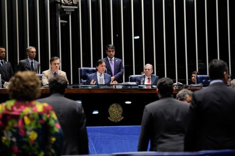 Proposta foi colocada em votação pelo presidente do Senado Eunício Oliveira - Foto: Edilson Rodrigues   Agência Senado