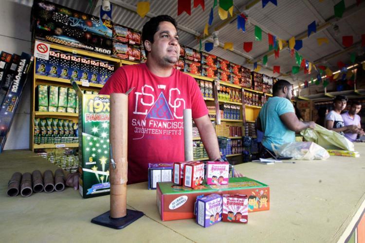 Comerciante Paulo Andrade criticou o novo espaço - Foto: Mila Cordeiro   Ag. A TARDE