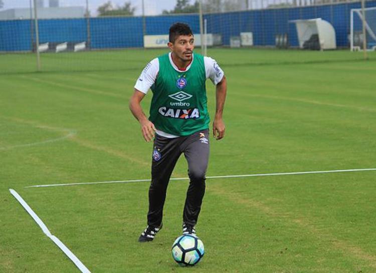 Edson volta a estar à disposição após ficar duas partidas fora por lesão no joelho - Foto: Vitor Tamar l EC Bahia l Divulgação