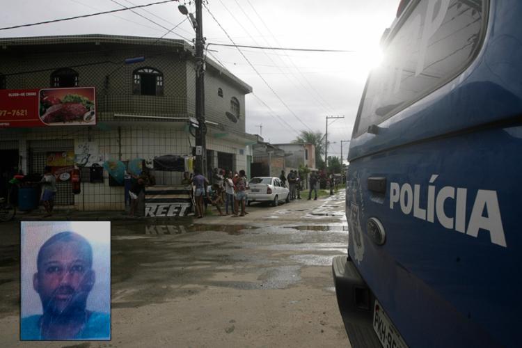 Investigadores do DHPP foram ao local em busca de pistas; Valdinei estava com prisão decretada - Foto: Mila Cordeiro l Ag. A TARDE