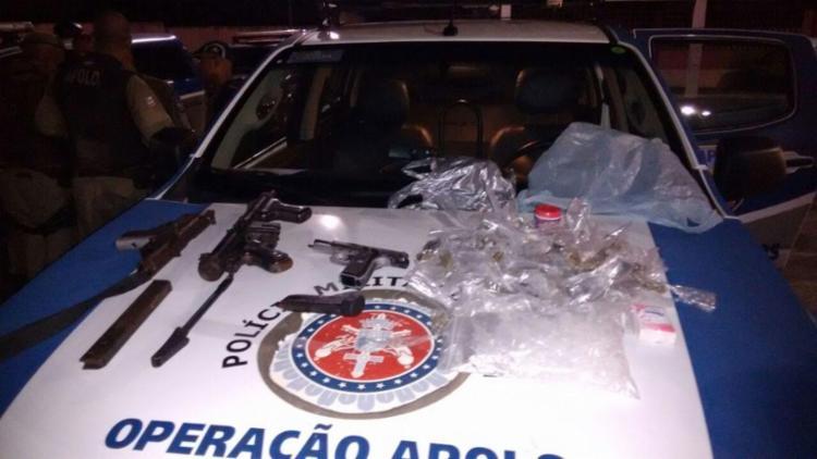 Os policiais apreenderam duas metralhadoras e uma pistola com o grupo - Foto: Divulgação   SSP