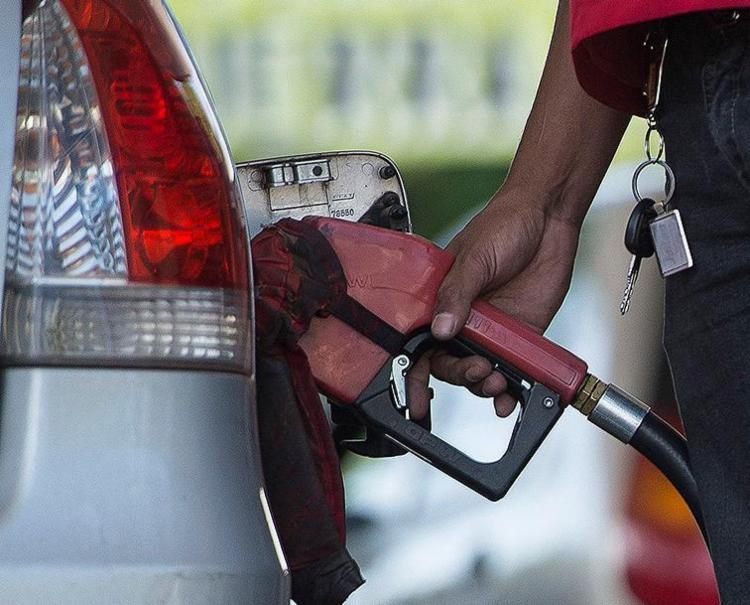 Litro da gasolina pode ficar R$ 0,03 mais barato - Foto: Marcelo Camargo l Ag. Brasil