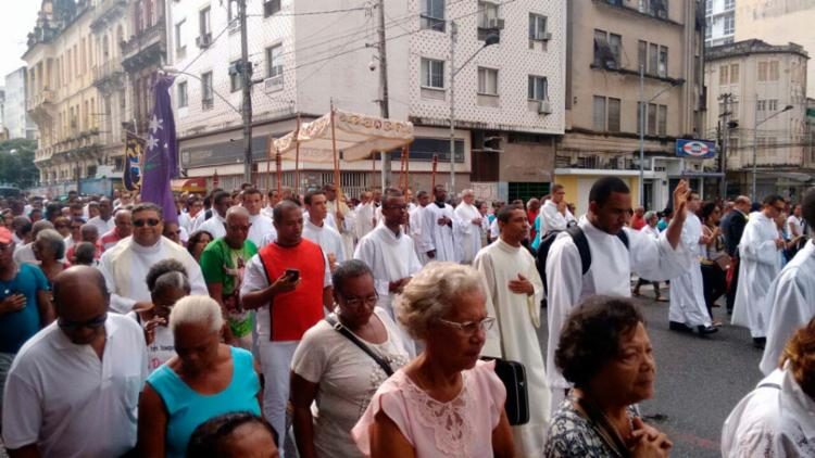 No Centro Histórico, fiéis já fazem procissão em homenagem ao Corpo de Cristo - Foto: Luciano da Matta | Ag. A TARDE
