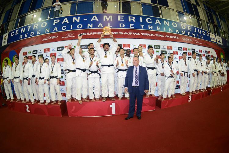 Judocas brasileiros venceram todas as etapas da Copa até chegarem ao título - Foto: Paulo Pinto l CBJ