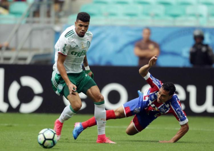 Tricolor sofre com má atuação e erros graves da arbitragem, cai diante do Palmeiras e perde série positiva - Foto: Raul Spinassé | Ag. A TARDE