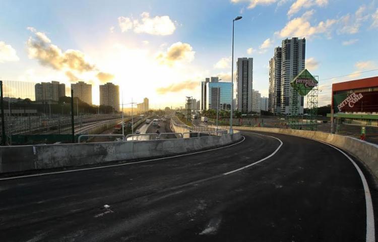 Viaduto faz a ligação entre os dois sentidos da Paralela - Foto: Divulgação | GOVBa