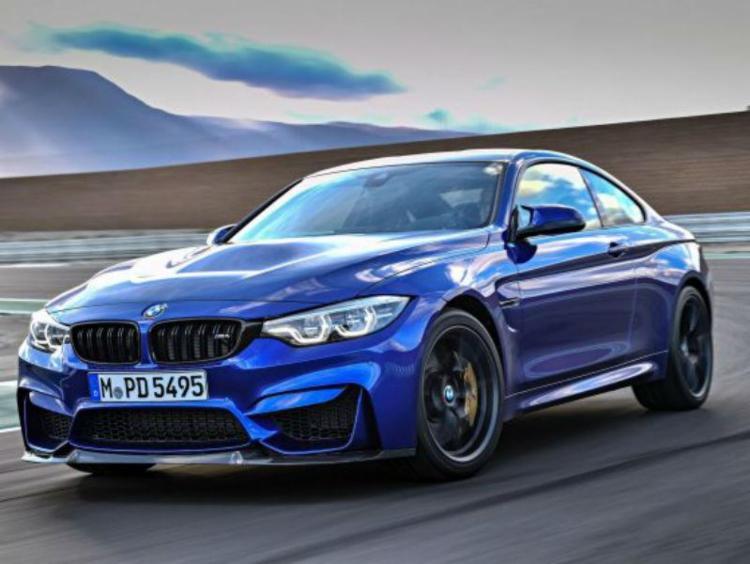 O modelo faz de 0 a 100 km/ em menos de quatro segundos - Foto: BMW / Divulgação