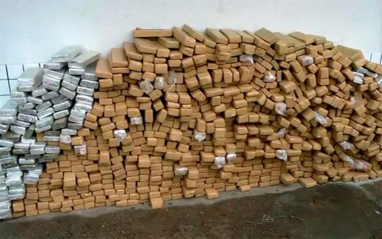 Os tijolos estavam sendo transportados em uma carreta, que seguia para a Bahia - Foto: Reprodução | TV Globo