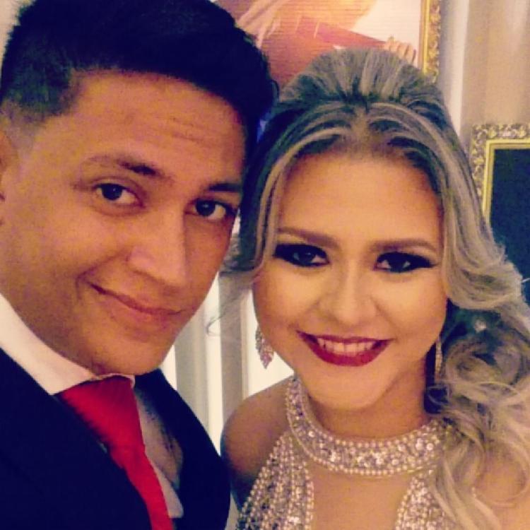 Igor Nascimento e Jéssica Melo foram abordados por dois homens na saída do bufê - Foto: Reprodução