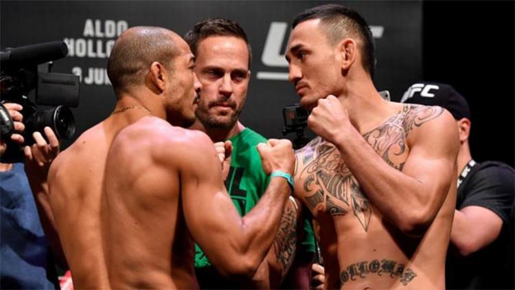 Aldo e Holloway não tiveram problemas com o peso e fizeram uma encarada tranquila - Foto: Divulgação l UFC