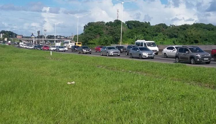 Congestionamento retarda a ida de quem quer curtir o São João no interior - Foto: Divulgação | PRF