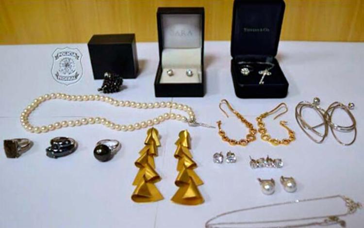 As 15 joias foram encontradas na manhã desta sexta-feira, 23 - Foto: Reprodução | TV Globo