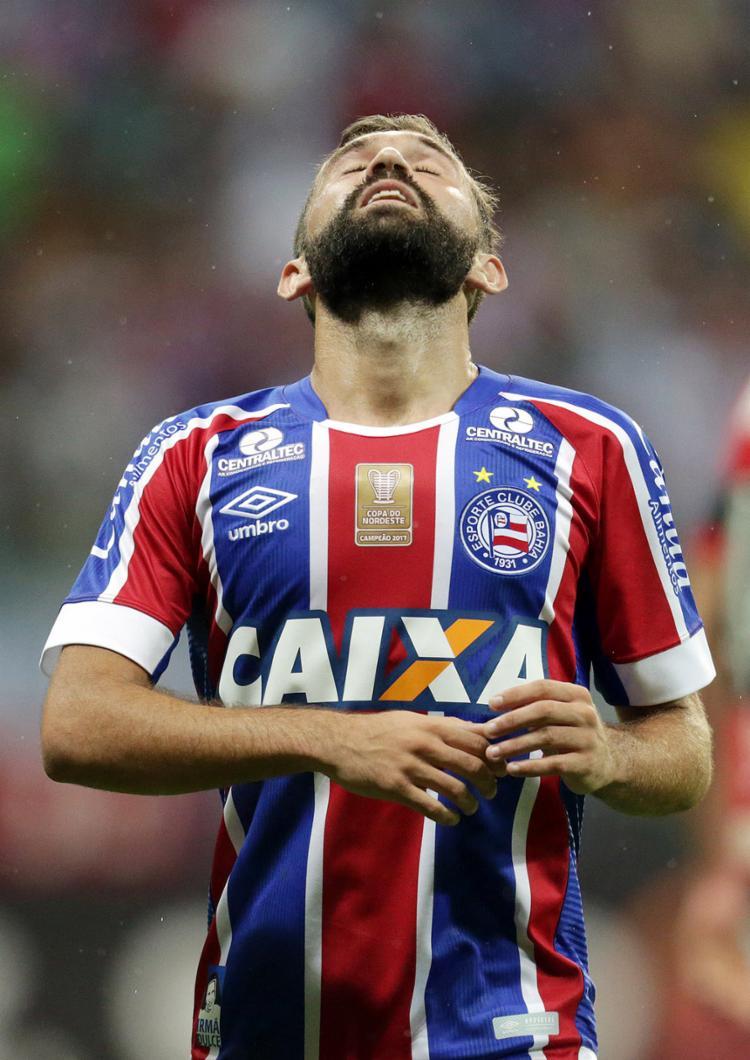 Allione lamenta chance perdida contra o Fla - Foto: Raul Spinassé l Ag. A TARDE l 25.6.2017