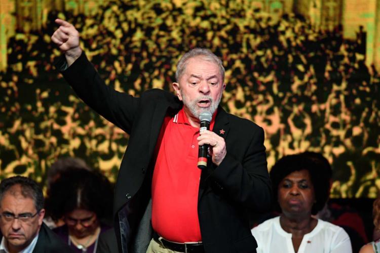 Lula é o favorito em uma eventual disputa para a Presidência em 2018 - Foto: Evaristo Sá | AFP