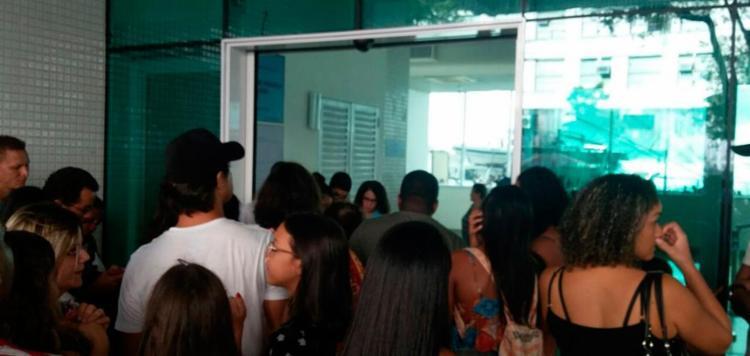 A equipe responsável não esperava o grande número de pessoas no local - Foto: Paula Pitta | Ag. A TARDE