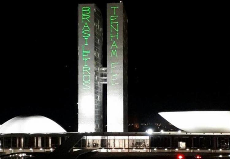 Imagem do Congresso Nacional na noite de terça-feira, 27, um dos principais prédios do poder em Brasília - Foto: Polícia Militar do Distrito Federal   Reprodução