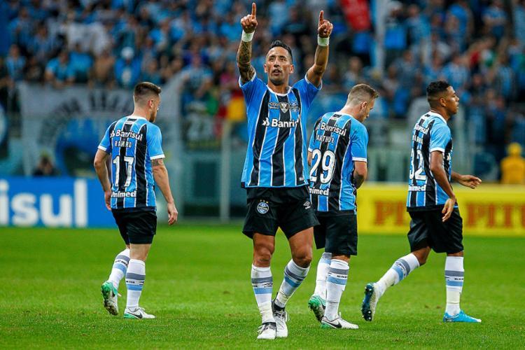Lucas Barrios foi o herói da partida, ao marcar dois dos quatro gols - Foto: Lucas Uebel l Grêmio FBPA