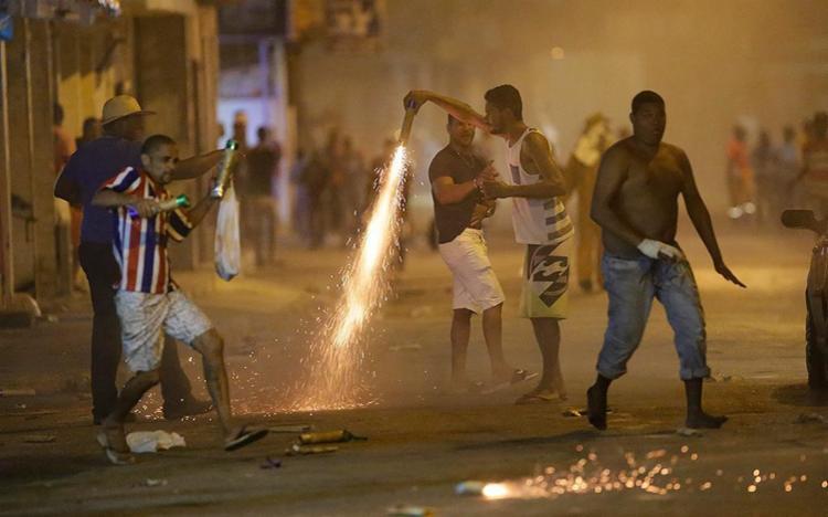 Disputa reuniu moradores da rua Doutor Almeida - Foto: Adilton Venegeroles l Ag. A TARDE