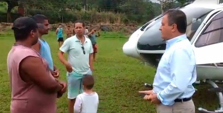 O pouso aconteceu em um campo de futebol - Foto: Divulgação | Secom