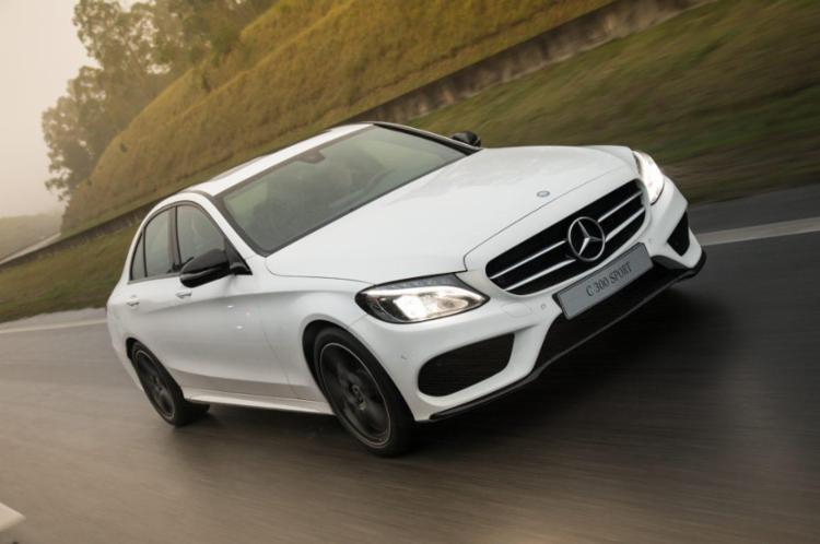 Versão agora é a topo da linha Classe C e traz câmbio de nove marchas - Foto: Mercedes-Benz | Divulgação