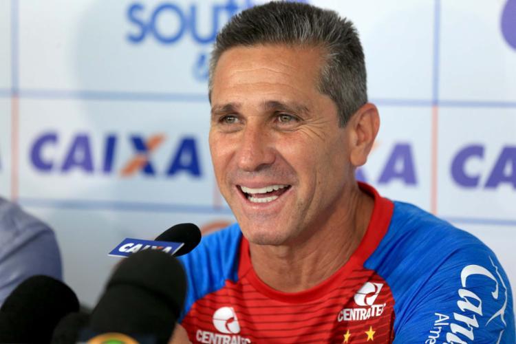 Logo em sua estreia, contudo, o treinador terá cinco importantes desfalques - Foto: Felipe Oliveira   EC Bahia   Divulgação