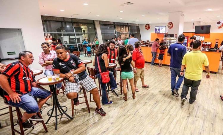 Fiscais encontraram no local produtos como refrigerante e maionese com prazo de validade vencido - Foto: Divulgação | Itaipava Arena Fonte Nova | 26.01.2016